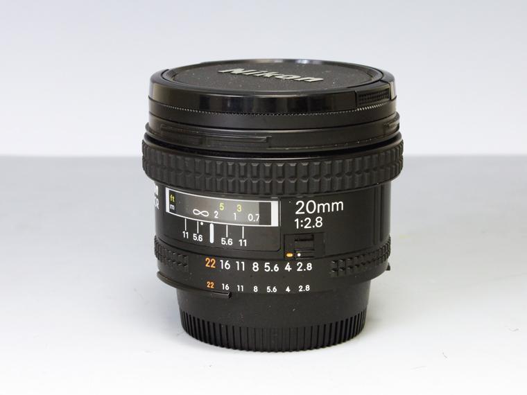 Nikon AF NIKKOR 20mm f2.8 広角単焦点レンズ<!--記入-->1枚目