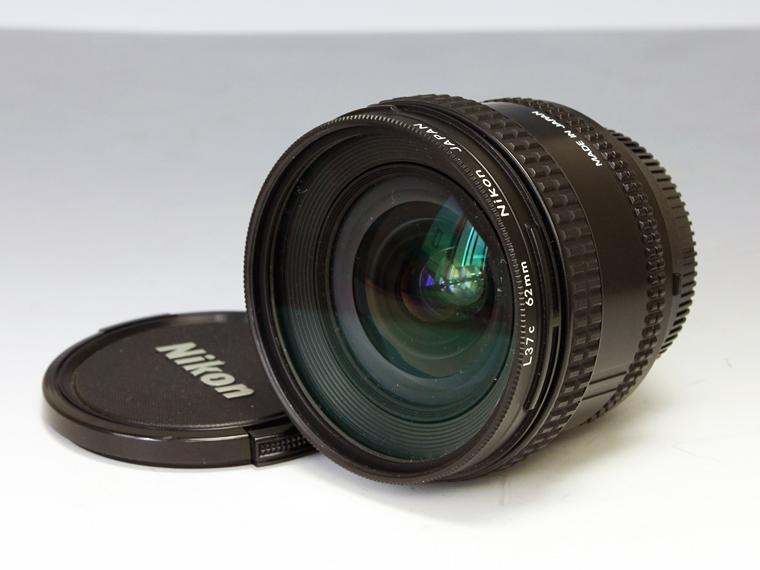 Nikon AF NIKKOR 20mm f2.8 広角単焦点レンズ<!--記入-->2枚目
