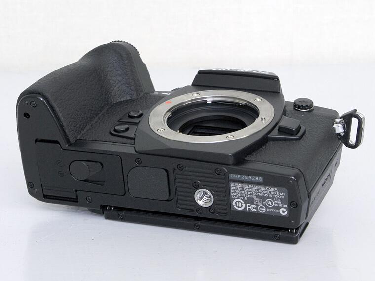 OLYMPUS オリンパス OM-D E-M1 ミラーレス一眼レフカメラ5枚目