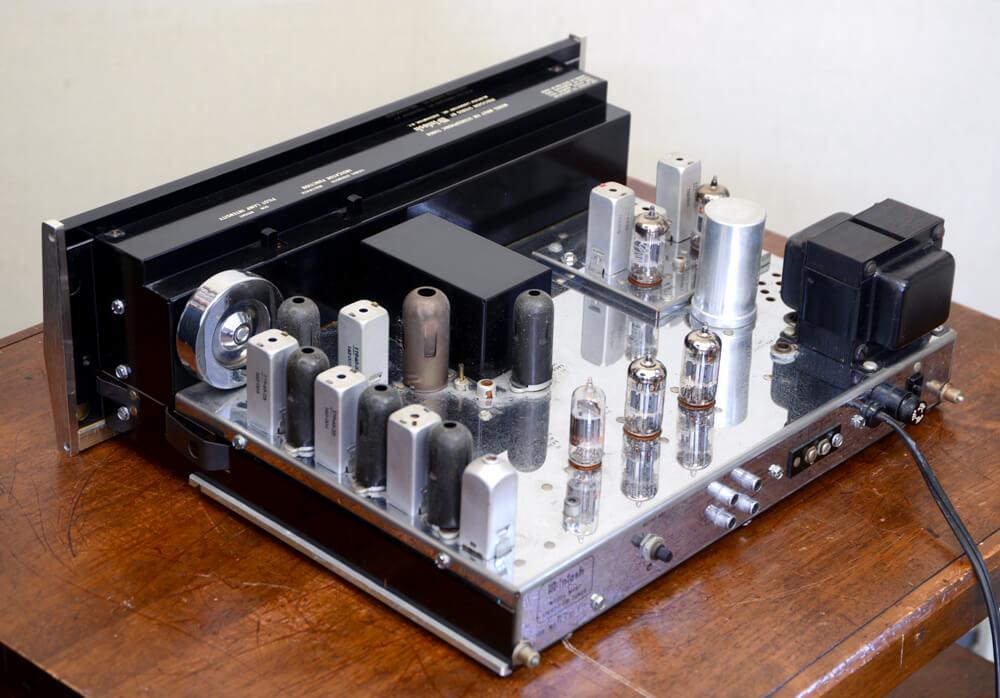 McIntosh MR67 真空管FMチューナー4枚目