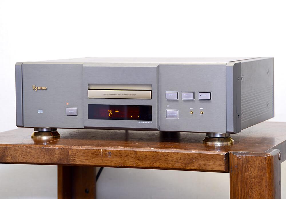 ESOTERIC P-30 CDトランスポート1枚目