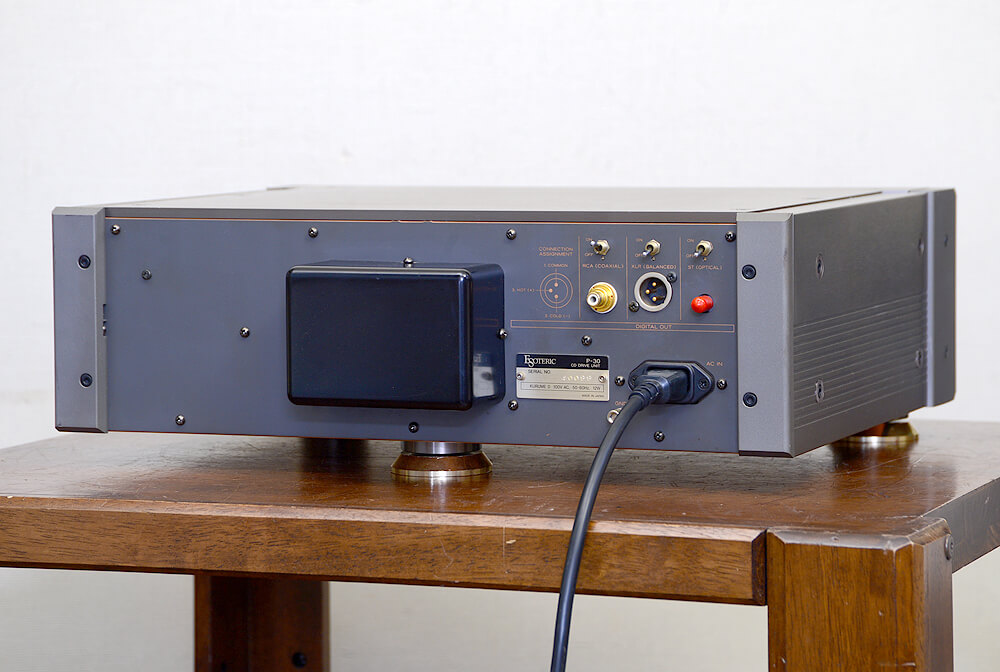 ESOTERIC P-30 CDトランスポート3枚目