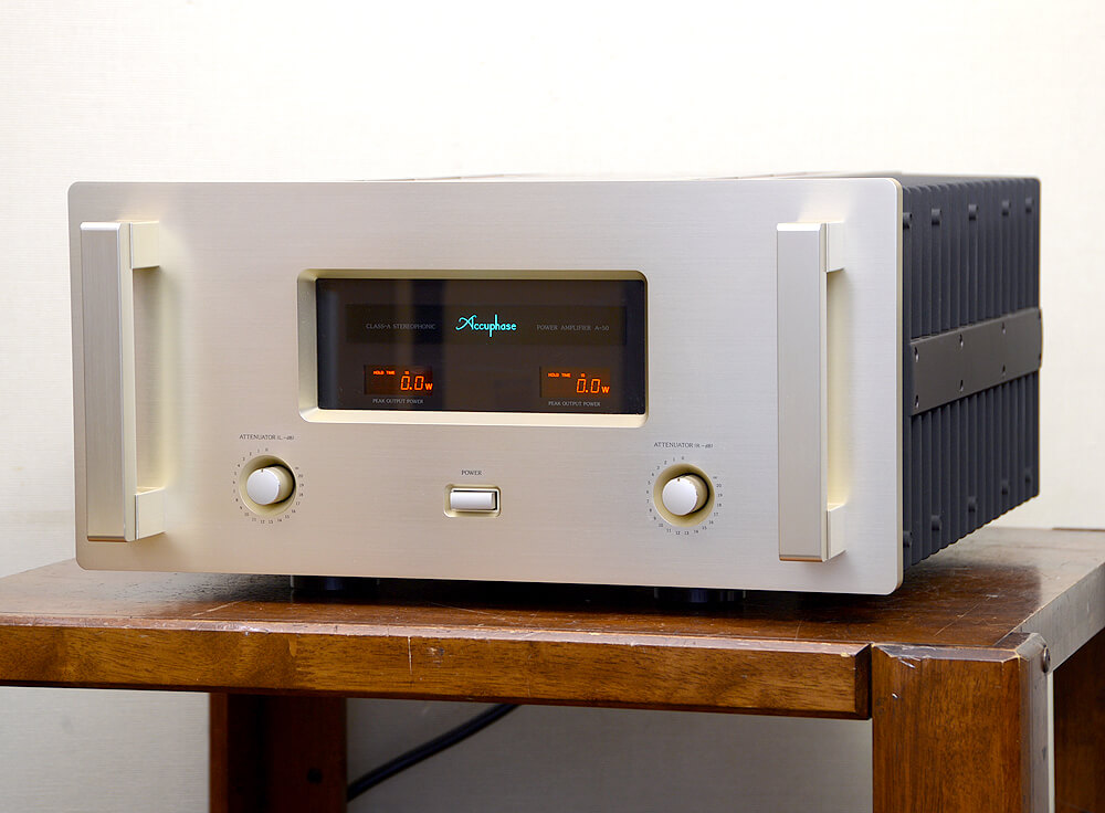 Accuphase A-50 ステレオパワーアンプ1枚目