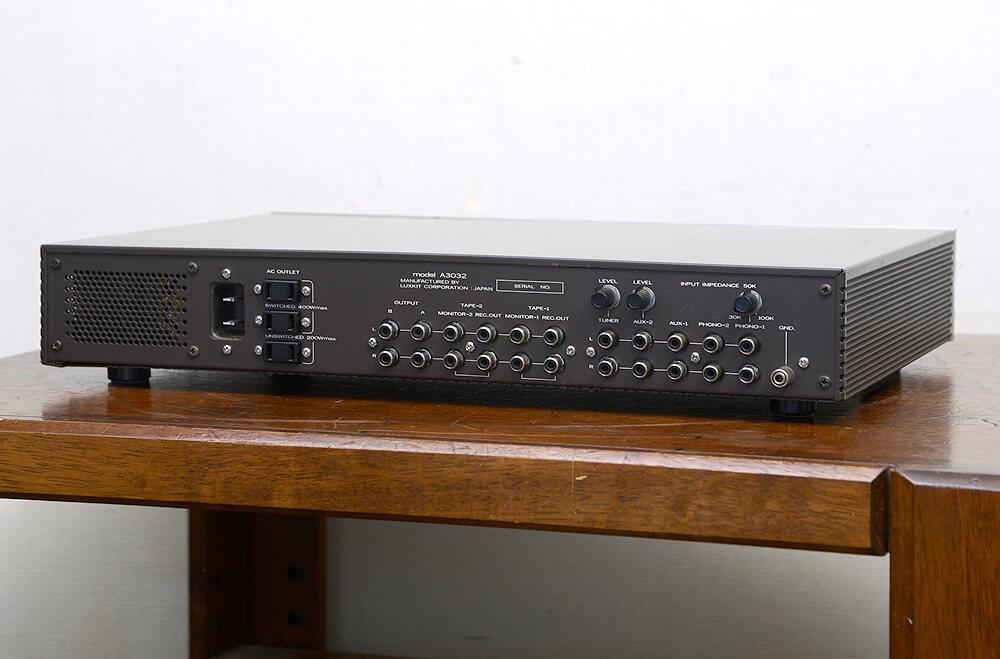 LUXKIT ラックスキット model A3032 真空管コントロールアンプ3枚目