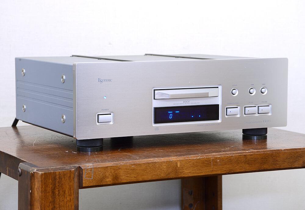ESOTERIC X-30 CDプレーヤー1枚目