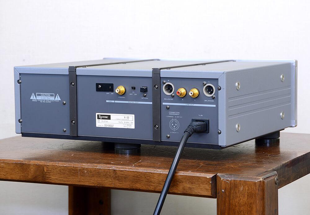 ESOTERIC X-30 CDプレーヤー2枚目