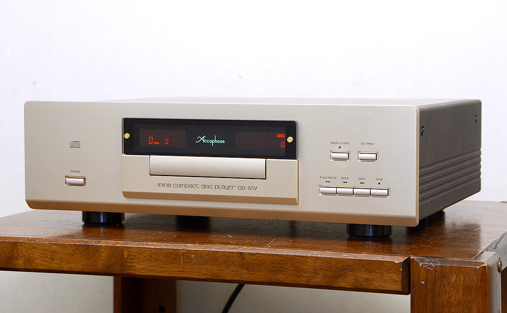 Accuphase DP-65V CDプレーヤー1枚目