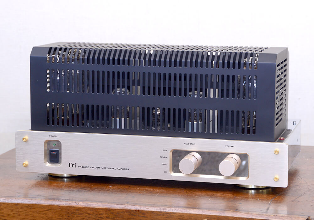 TRIODE VP-300BD 真空管プリメインアンプ1枚目