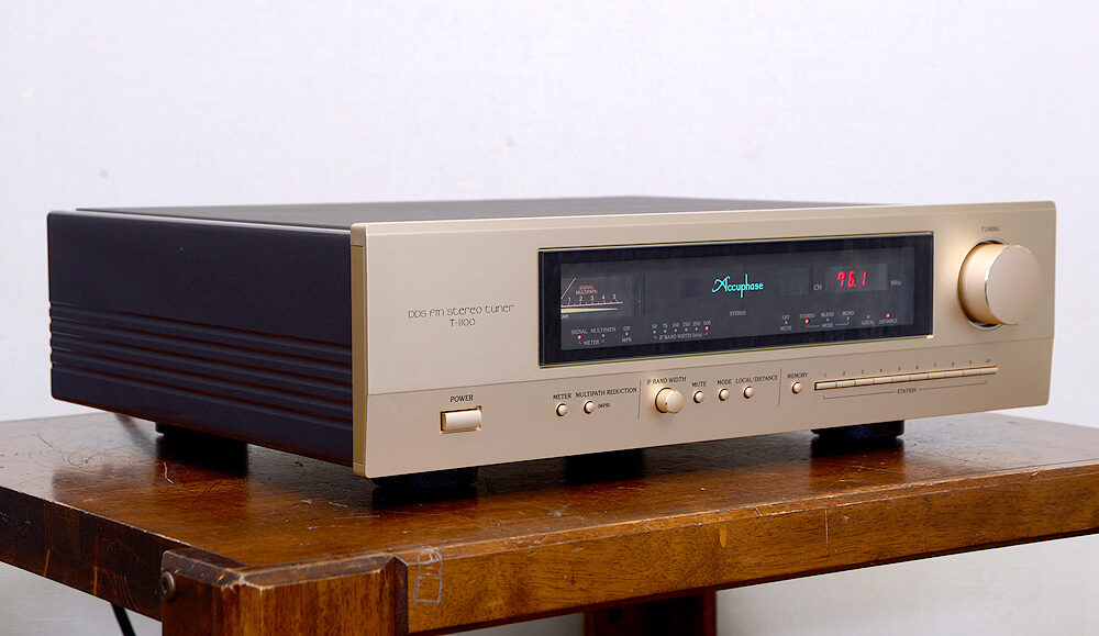Accuphase T-1100 FMチューナー2枚目